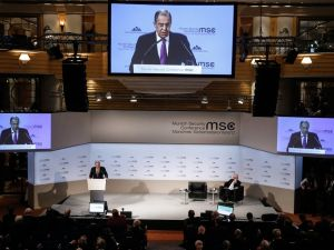 Lavrov'dan Washington Post muhabirine tepki